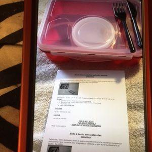 New Avon PINK BENTO BOX CONTAINER SET W/ UTENSILS